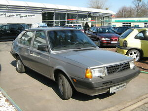 Volvo 340 DL Youngtimer Black Silver Edition
