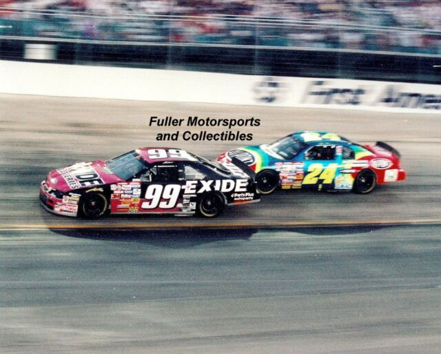 JEFF BURTON #99 vs JEFF GORDON #24 AT BRISTOL 1997 NASCAR WINSTON CUP 8X10 PHOTO